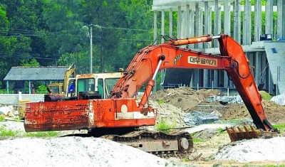 Company mines sand for sale without permit in central Vietnam