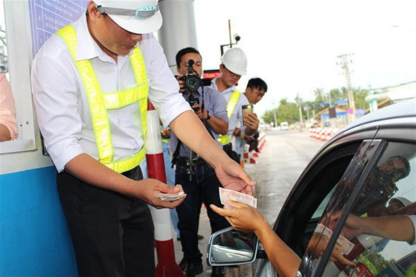 HCMC – BOT road tolls cut at 35 stations